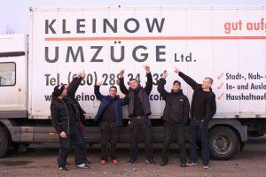 Leistungen vom Team Kleinow Umzüge vor Lkw