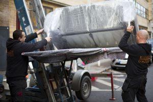 Umzugsunternehmen Berlin Kleinow Umzüge beim Möbeltransport
