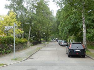 """Zehlendorf Straße """"Heimat"""" (Copyright: Von Uwca - Eigenes Werk, CC BY-SA 3.0, https://commons.wikimedia.org/w/index.php?curid=26375633)"""